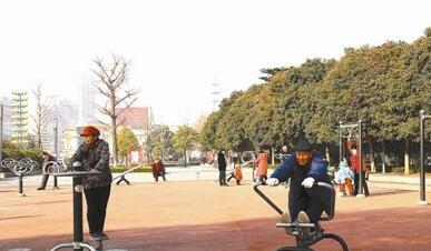 游园广场环境更靓丽.jpg