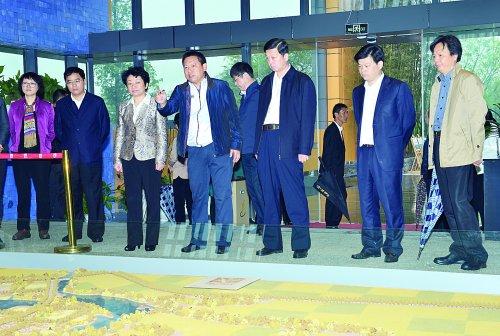 省委常委、无锡市委书记黄莉新到惠山区开展党