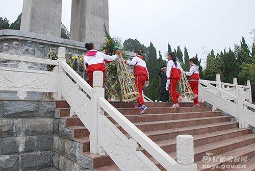 盱眙县活动小学祭扫开展烈士陵园实验安宁小学万里图片